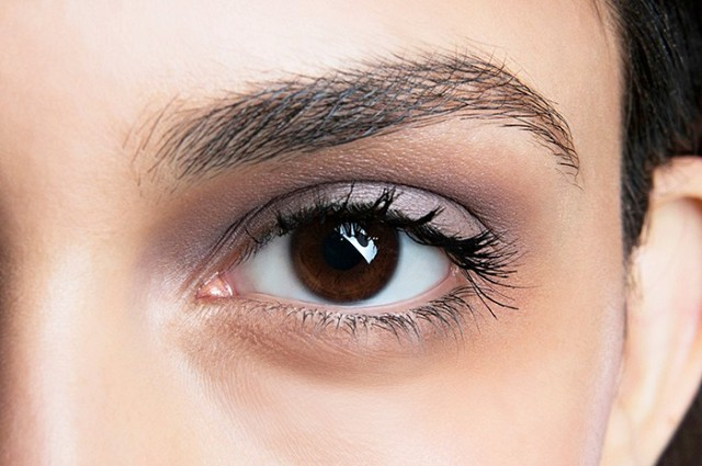 4-eyebrow-gurus-share-their-1-tips-for-perfect-brows-1634339-1453782017.640x0c